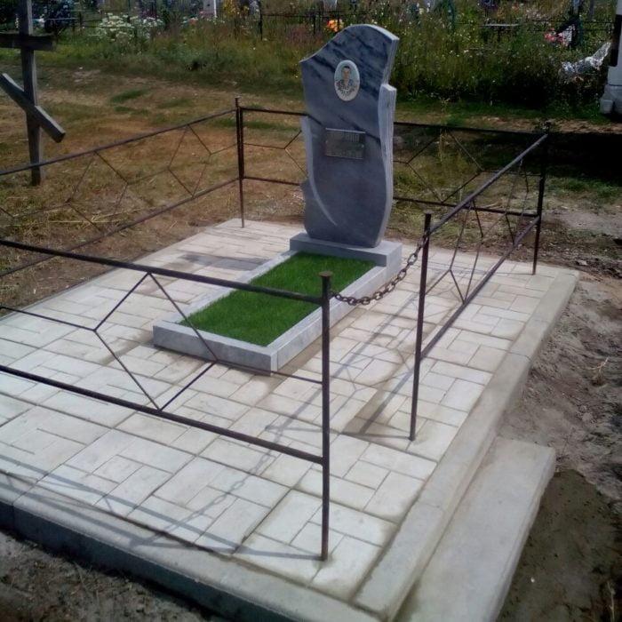 Уход за могилами в Барнауле